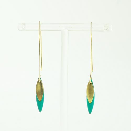 boucle d'oreille email doré sonia turquoise sur fond blanc