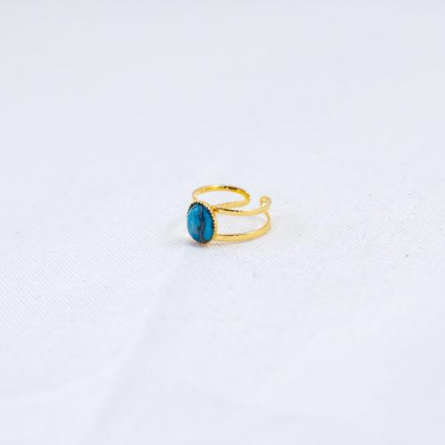 bague plaqué or denise double pierre bleue, agate bleue sur fond blanc